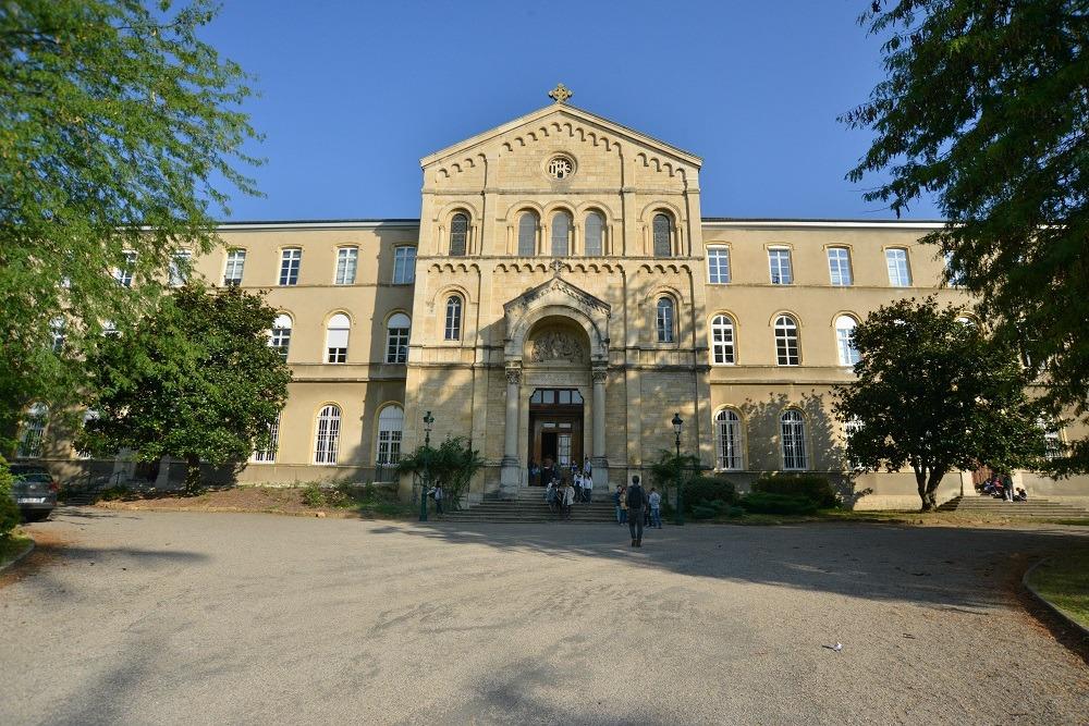 Rénovation totale en cours du groupe scolaire Notre Dame de Mongré.